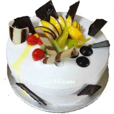 Garnishing Fruits Cake